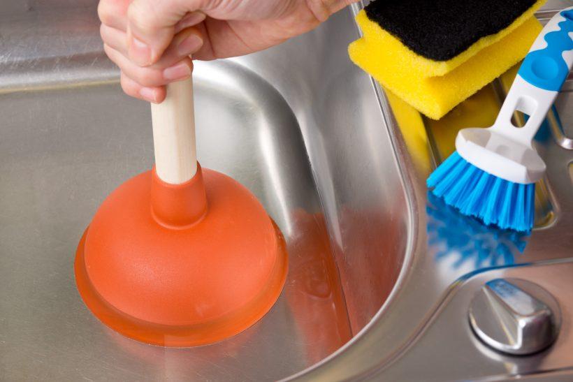 déboucher un évier en quelques minutes